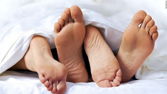 131122232657-sex-couple-feet-bed-super-tease[1].jpg