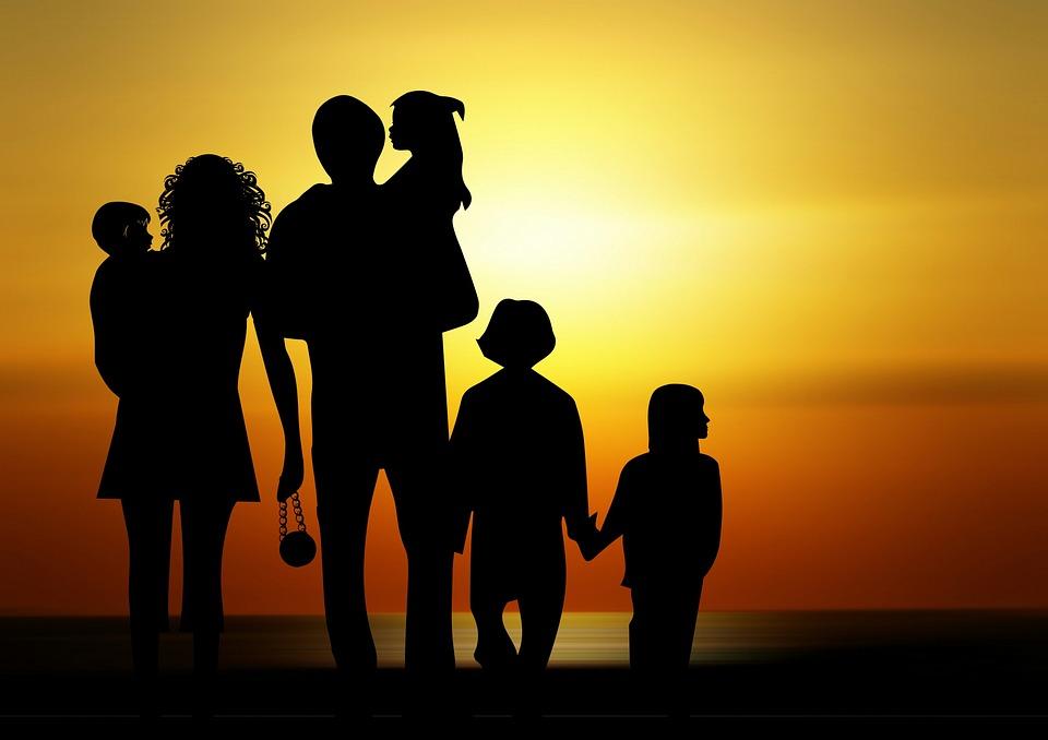 family-730320_960_720[1].jpg