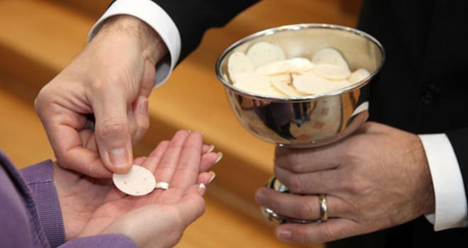 Eucharist-660x350-1476347477[1].jpg