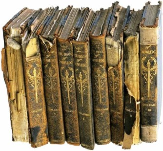books-old[1].jpg