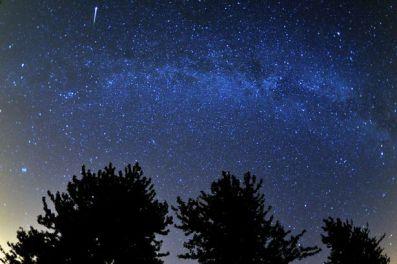 SCIENCE-Meteors-070198zz66[1]